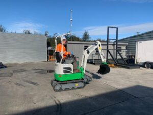 1 Ton Electric Powered Digger with Attachment